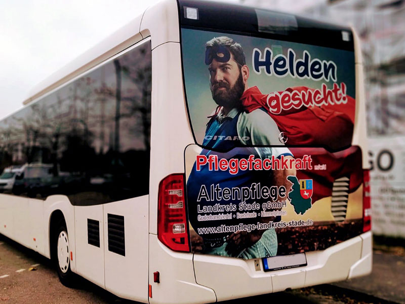 autobeschriftung-busbeschriftung-landkreis-stade-altenpflege